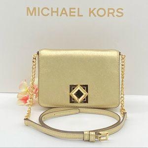 MICHAEL KORS LUNA SMALL CLUTCH XBODY PALE GOLD